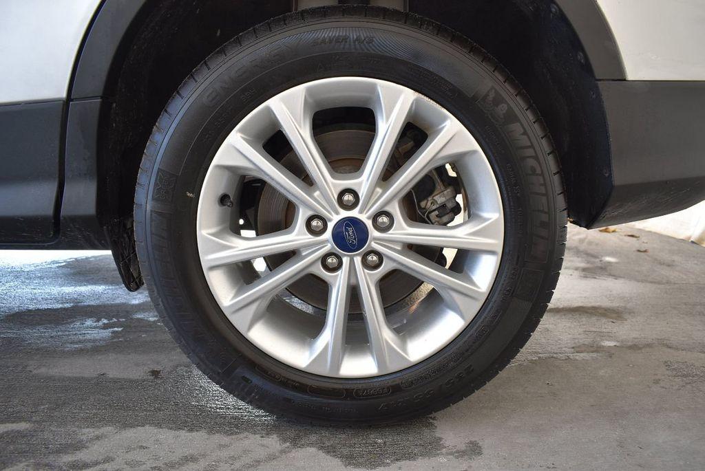 2017 Ford Escape SE FWD - 17524876 - 10