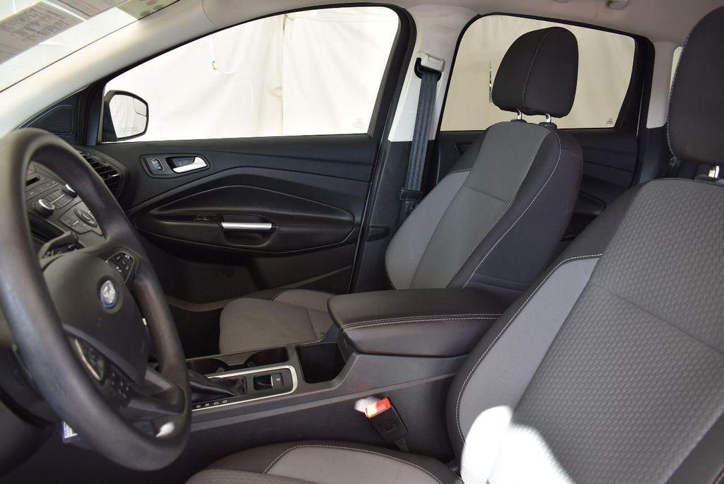 2017 Ford Escape SE FWD - 17524876 - 12