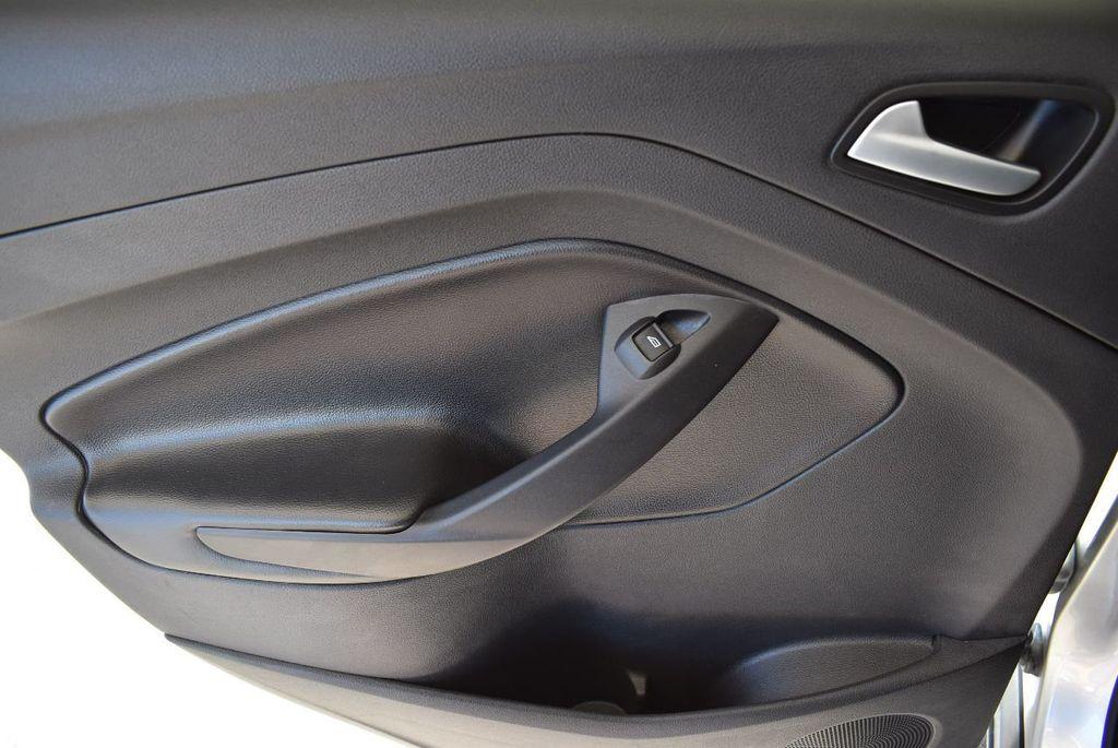 2017 Ford Escape SE FWD - 17524876 - 15