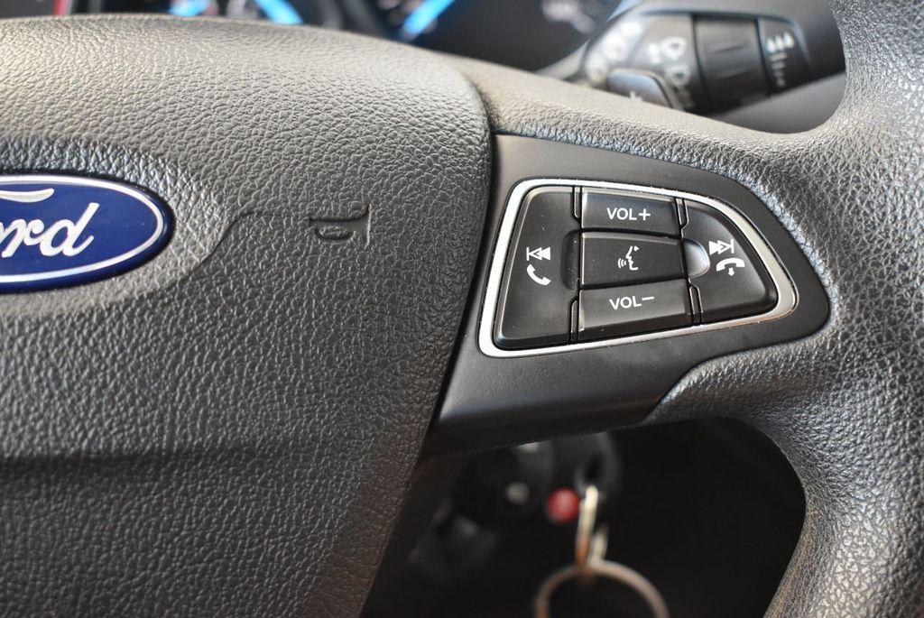 2017 Ford Escape SE FWD - 17524876 - 18