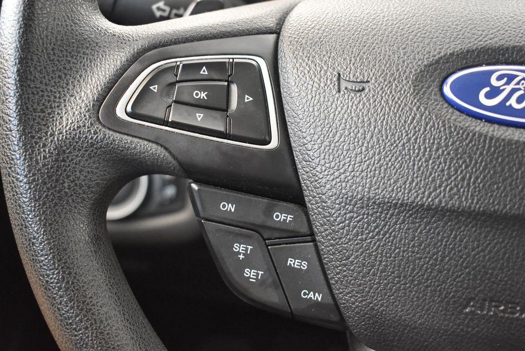 2017 Ford Escape SE FWD - 17524876 - 19