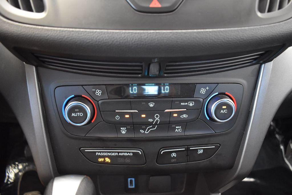 2017 Ford Escape SE FWD - 17524876 - 21