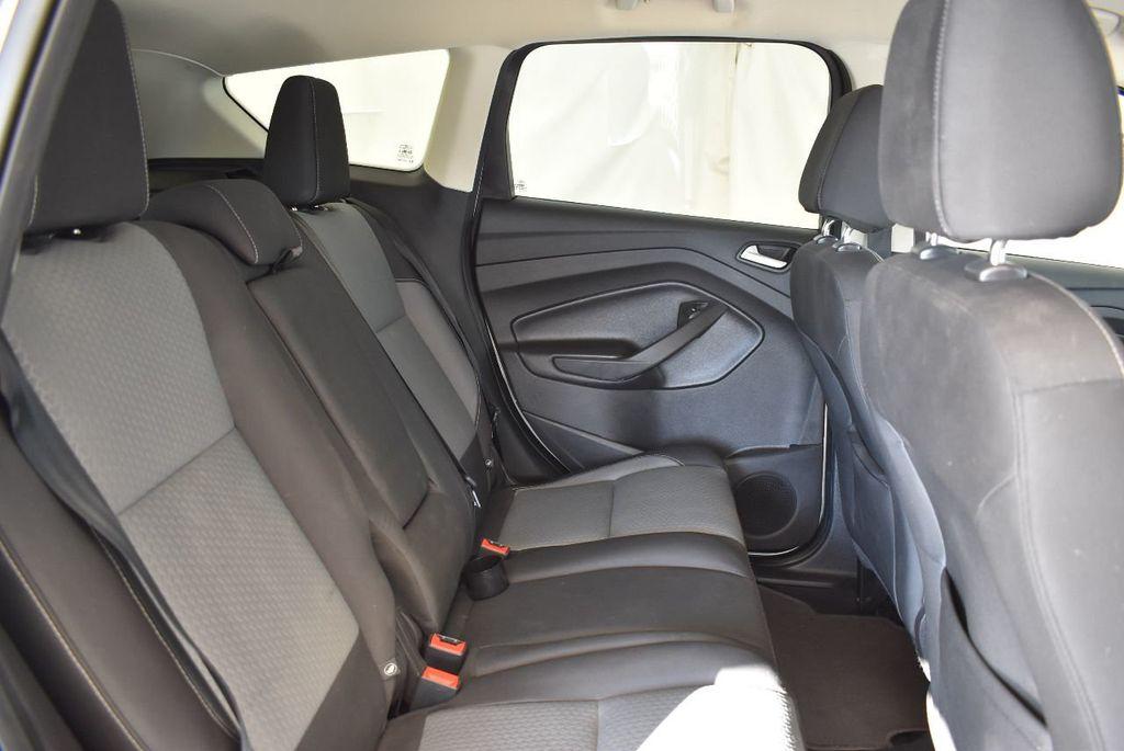 2017 Ford Escape SE FWD - 17524876 - 23