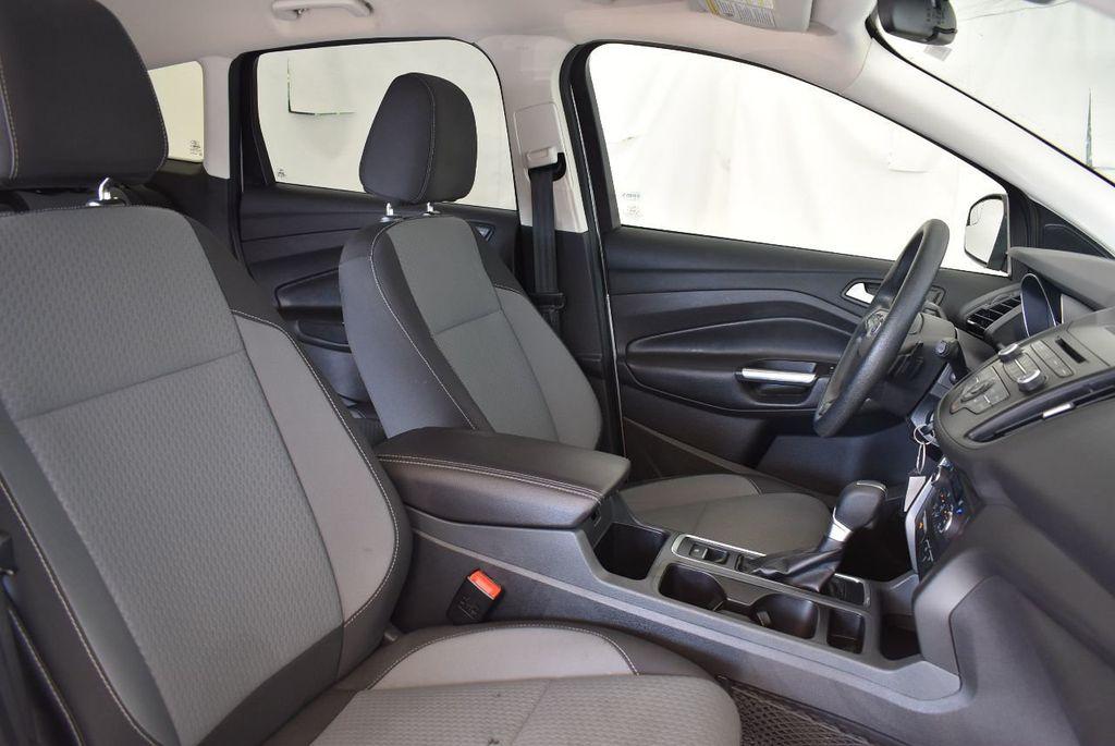 2017 Ford Escape SE FWD - 17524876 - 25