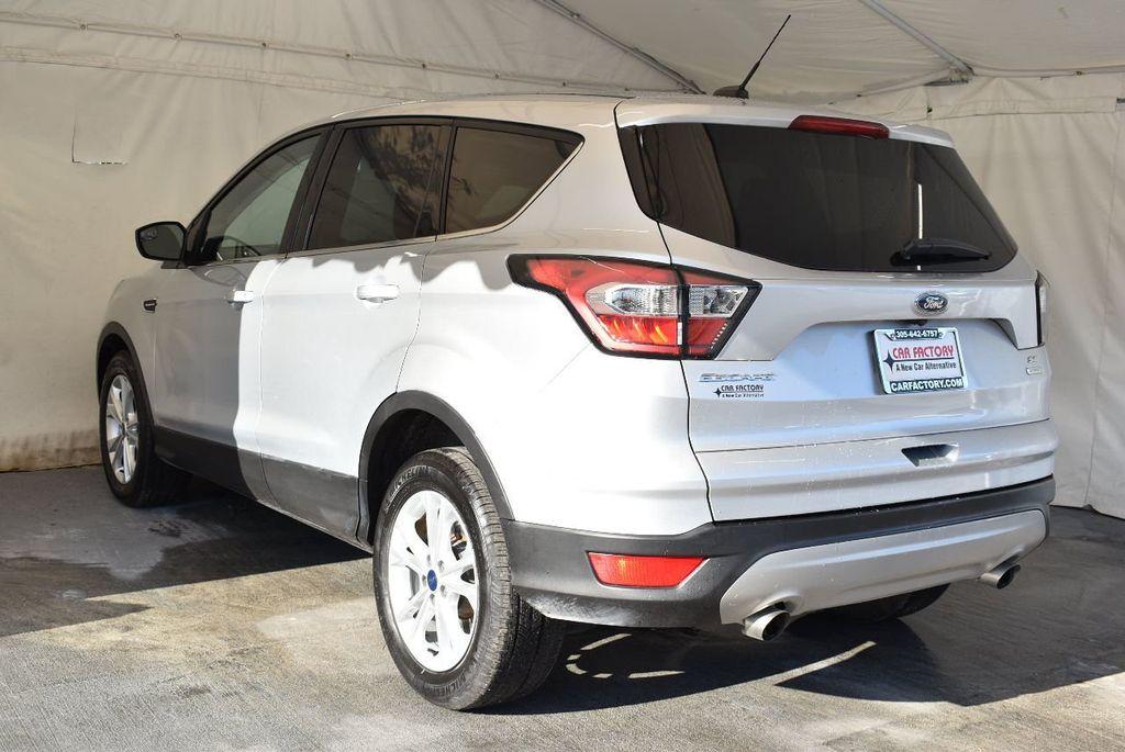 2017 Ford Escape SE FWD - 17524876 - 5