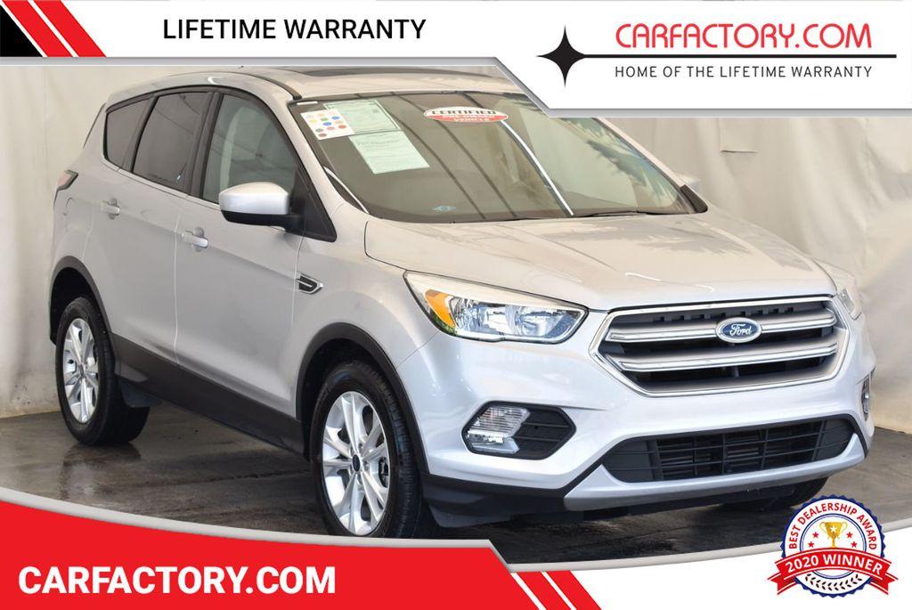2017 Ford Escape SE FWD - 18303235 - 0
