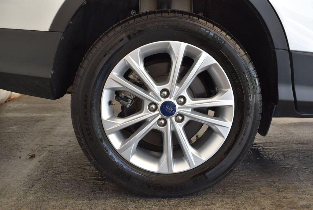 2017 Ford Escape SE FWD - 18303235 - 9