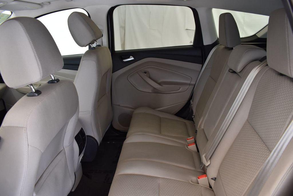 2017 Ford Escape SE FWD - 18303235 - 14
