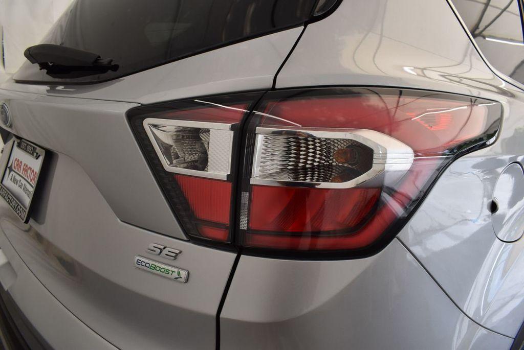 2017 Ford Escape SE FWD - 18303235 - 1