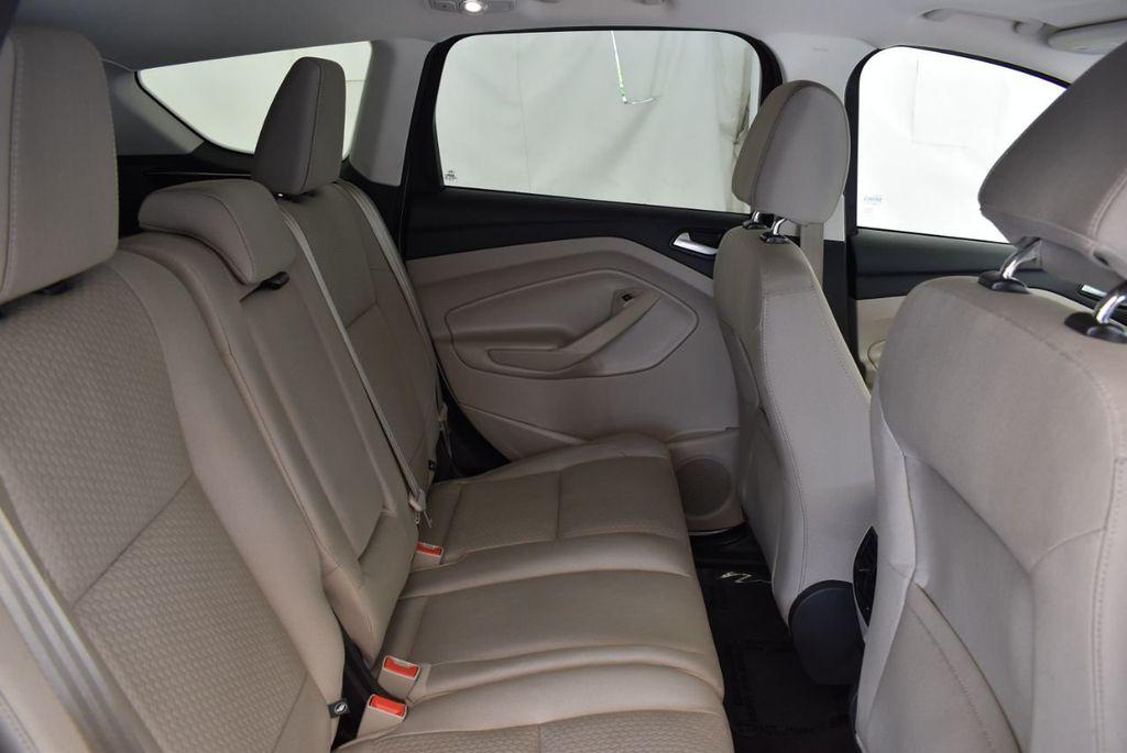 2017 Ford Escape SE FWD - 18303235 - 23