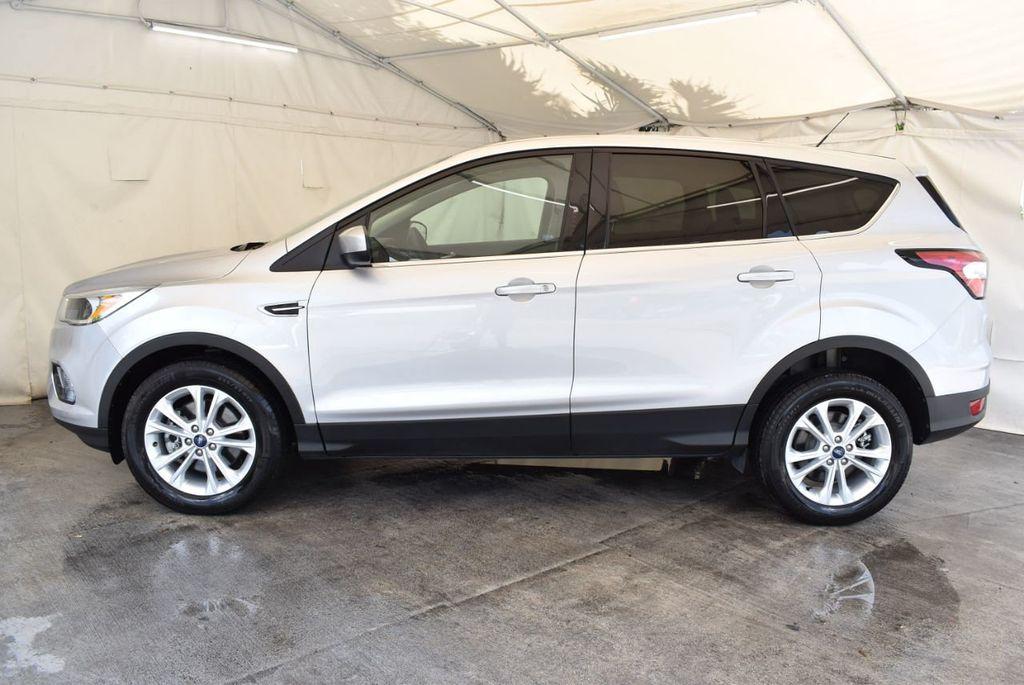 2017 Ford Escape SE FWD - 18303235 - 4
