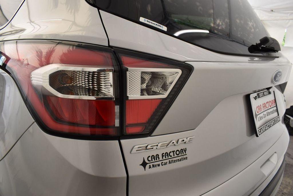 2017 Ford Escape SE FWD - 18303235 - 6