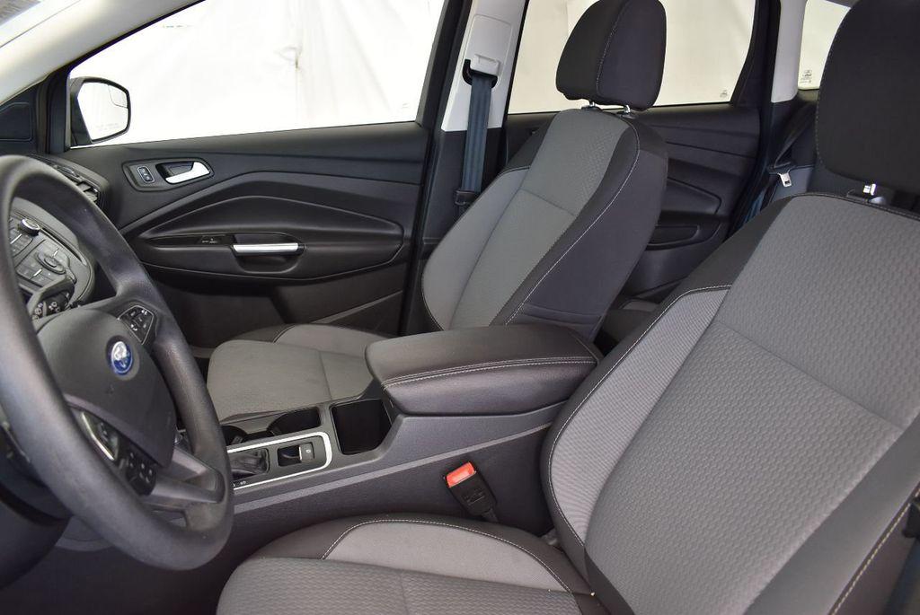 2017 Ford Escape SE FWD - 17524877 - 12