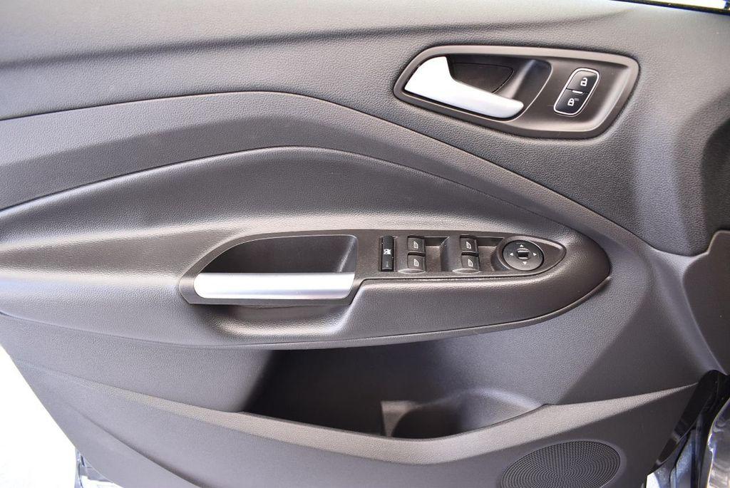 2017 Ford Escape SE FWD - 17524877 - 13
