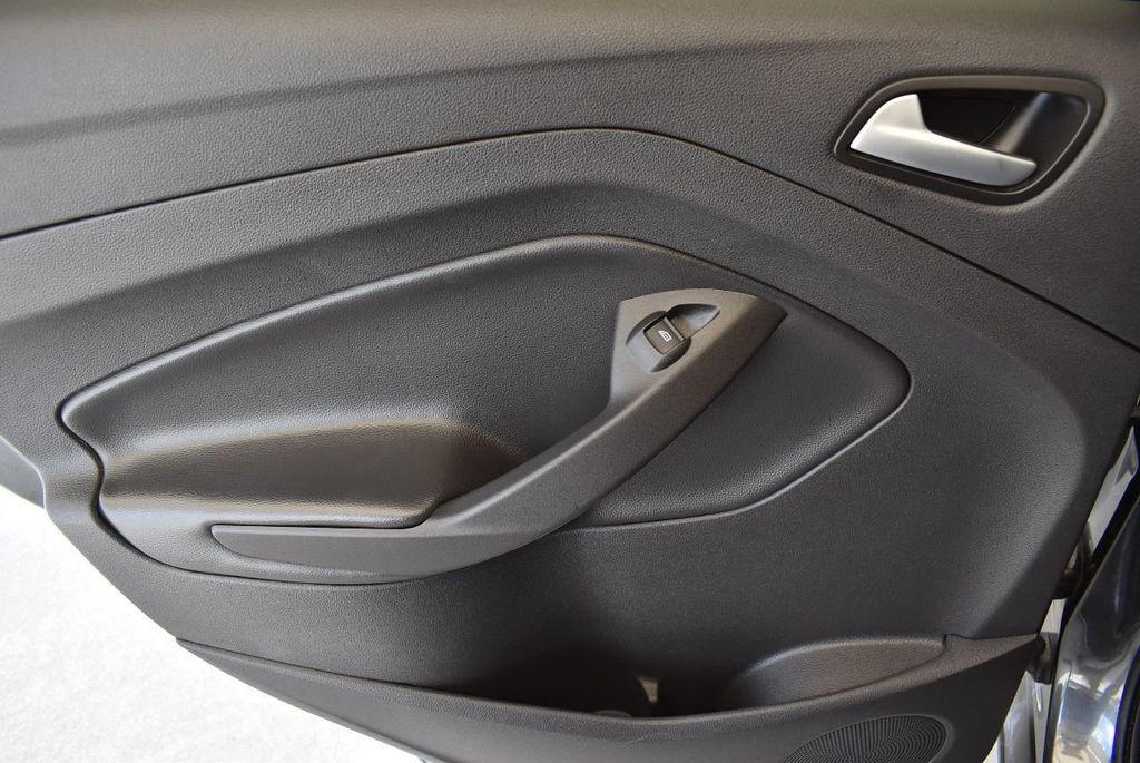 2017 Ford Escape SE FWD - 17524877 - 15