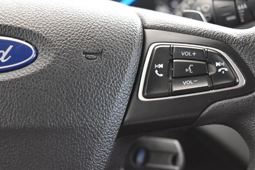 2017 Ford Escape SE FWD - 17524877 - 18