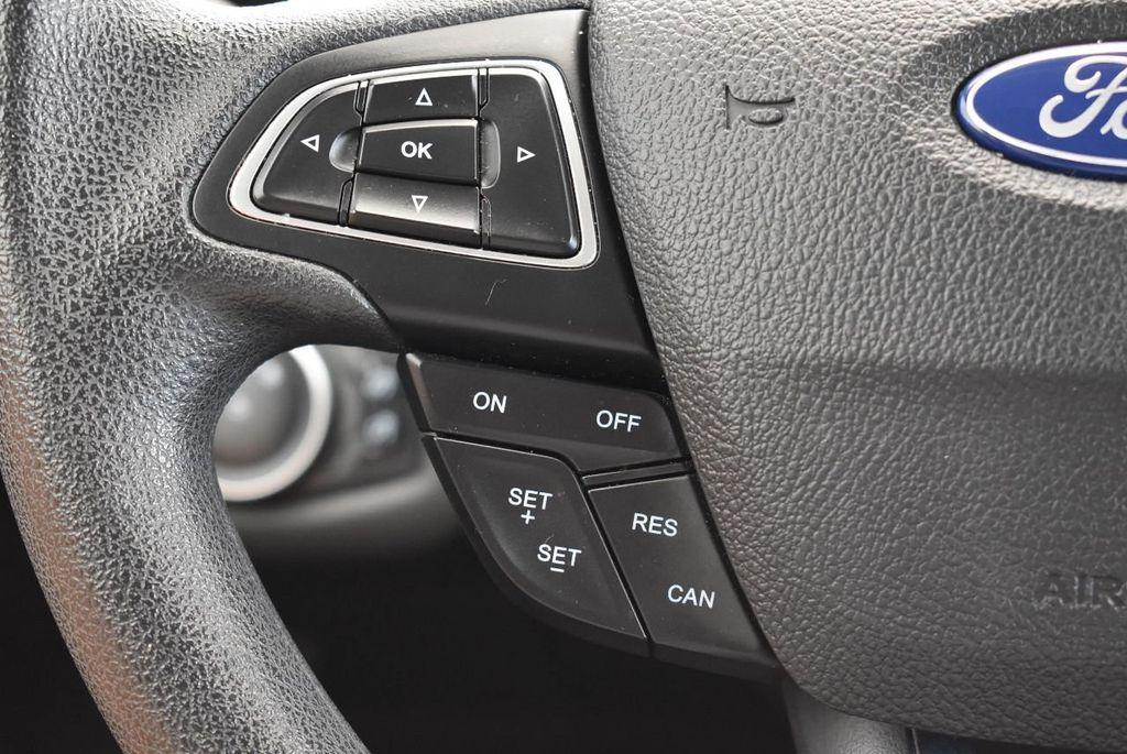 2017 Ford Escape SE FWD - 17524877 - 19