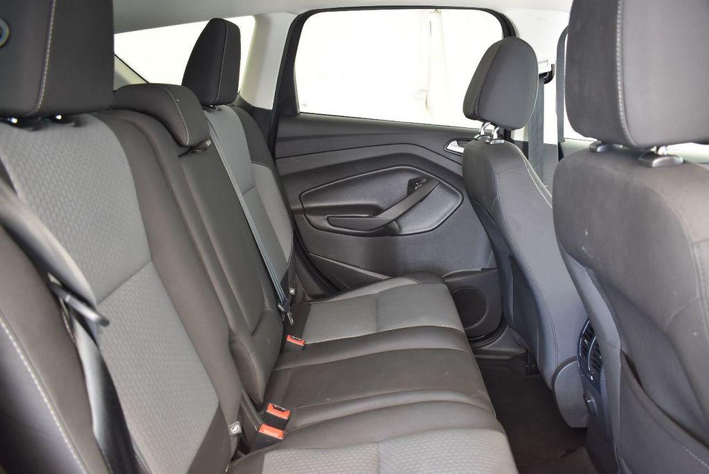 2017 Ford Escape SE FWD - 17524877 - 23
