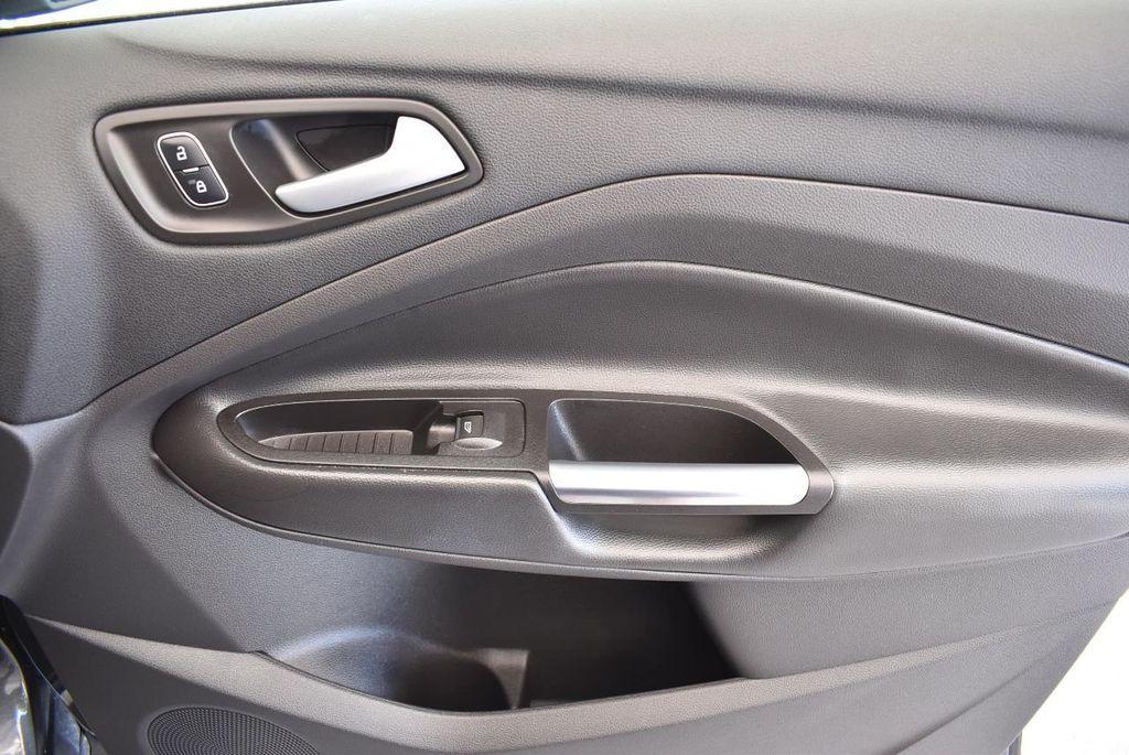 2017 Ford Escape SE FWD - 17524877 - 26