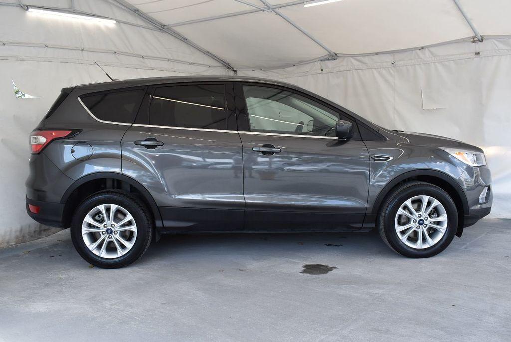 2017 Ford Escape SE FWD - 17524877 - 2