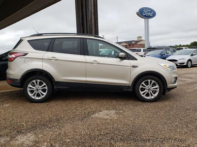 2017 Ford Escape SE FWD - Click to see full-size photo viewer