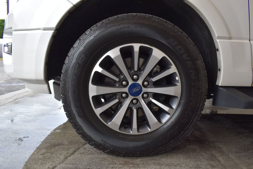 2017 Ford Expedition XLT 4x2 - 18037975 - 9
