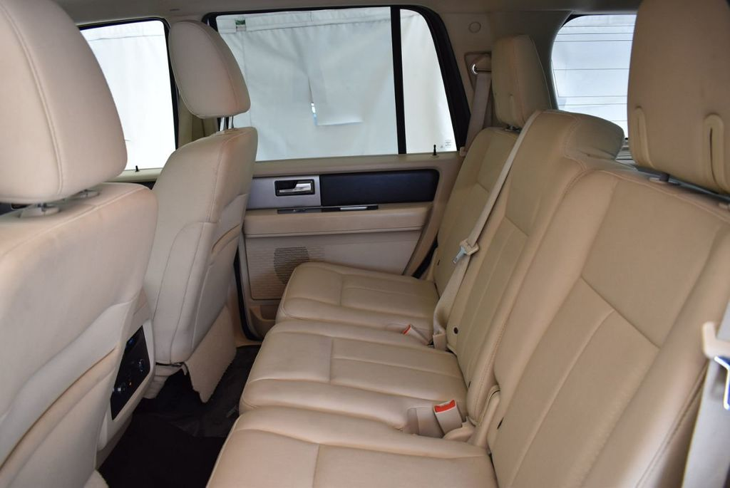2017 Ford Expedition XLT 4x2 - 18037975 - 11