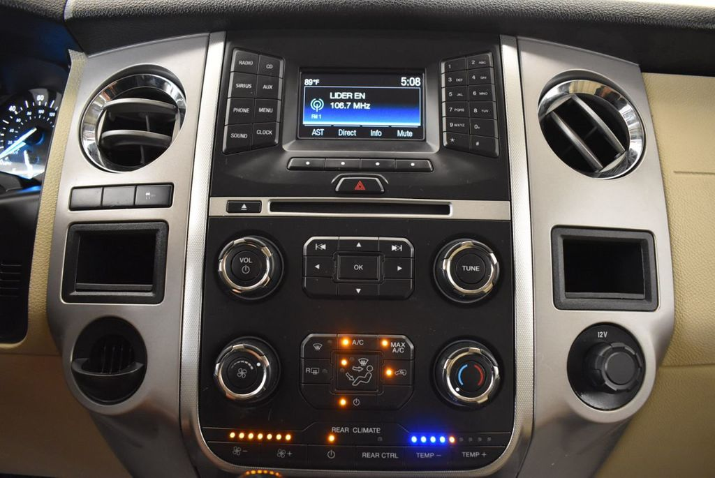 2017 Ford Expedition XLT 4x2 - 18037975 - 19