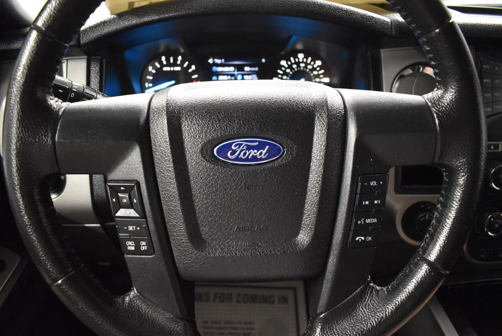 2017 Ford Expedition XLT 4x2 - 18365121 - 15
