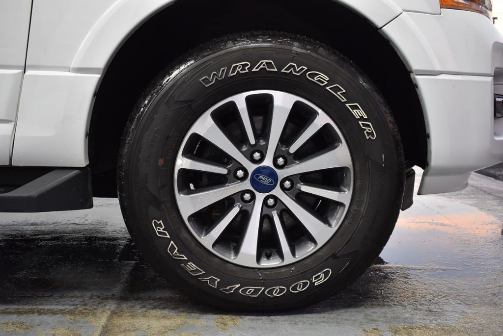 2017 Ford Expedition XLT 4x2 - 18365121 - 6
