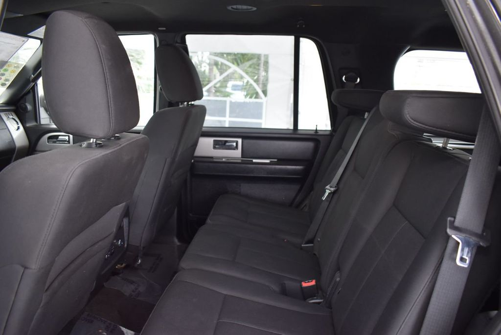 2017 Ford Expedition XLT 4x2 - 18432677 - 10