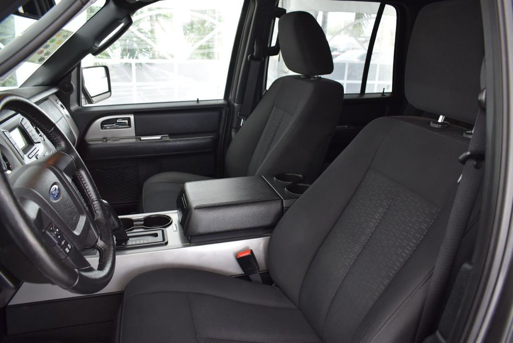 2017 Ford Expedition XLT 4x2 - 18432677 - 13