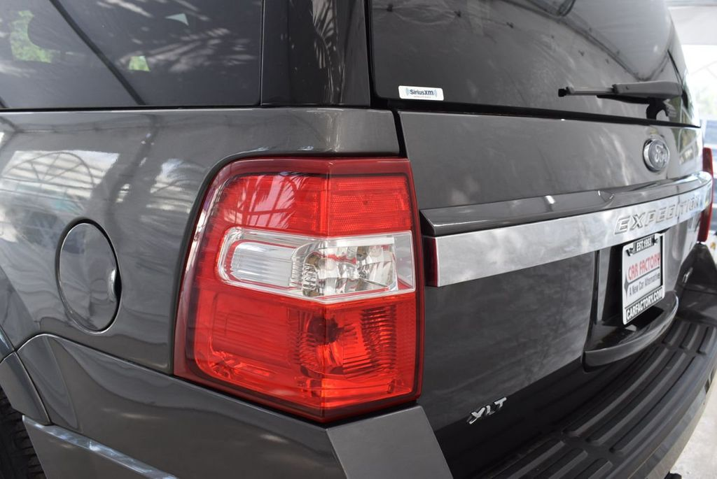 2017 Ford Expedition XLT 4x2 - 18432677 - 4