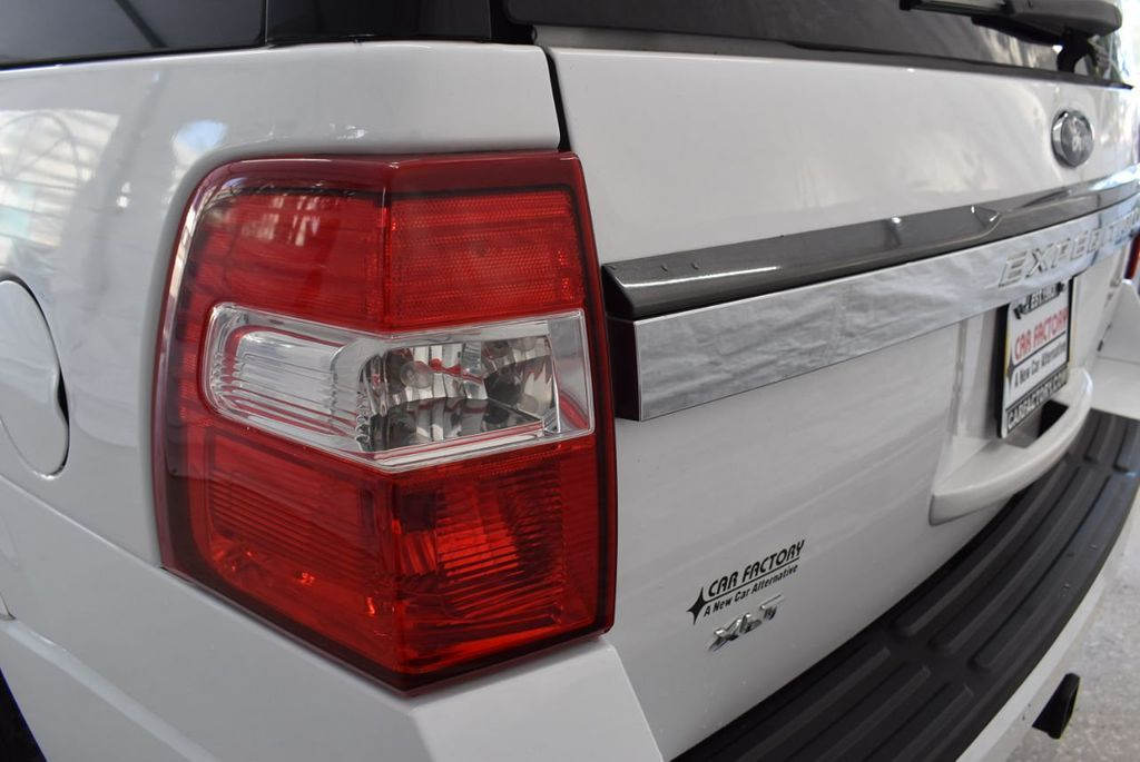 2017 Ford Expedition XLT 4x2 - 18432678 - 4