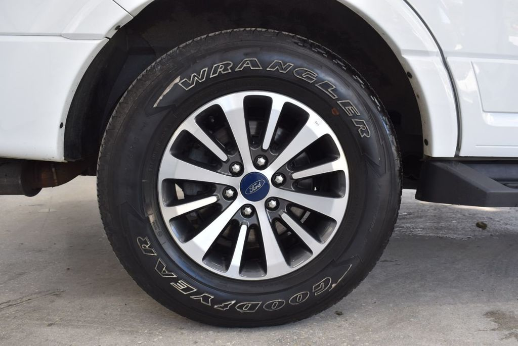 2017 Ford Expedition XLT 4x2 - 18432678 - 7