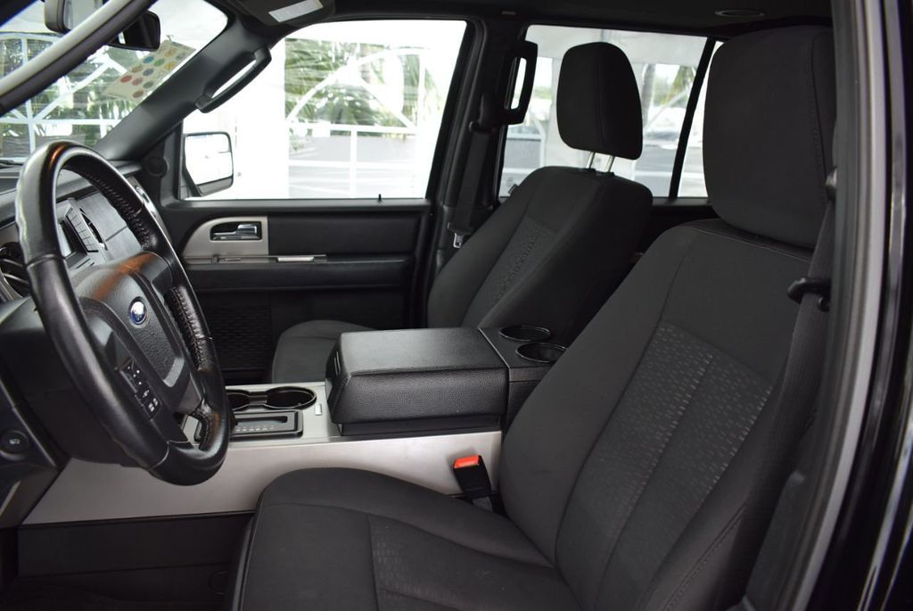 2017 Ford Expedition XLT 4x2 - 18387254 - 12