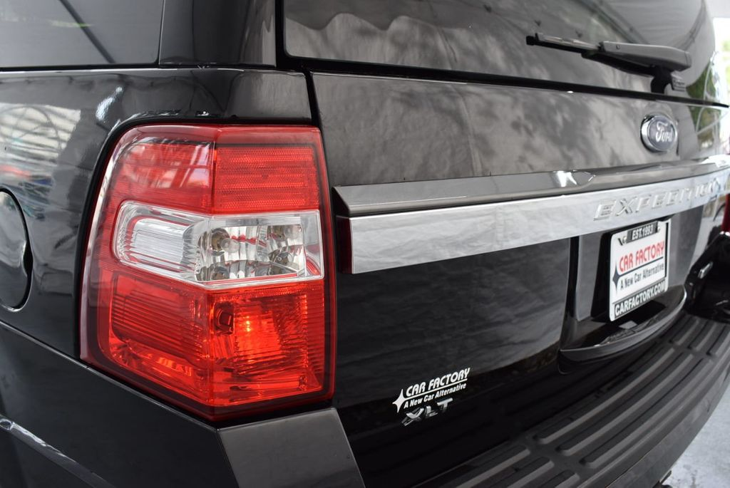 2017 Ford Expedition XLT 4x2 - 18387254 - 4