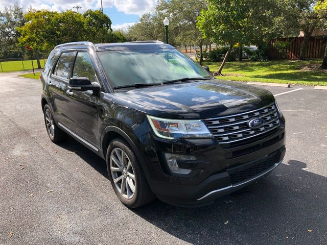 2017 Ford Explorer Limited 4WD - Click to see full-size photo viewer