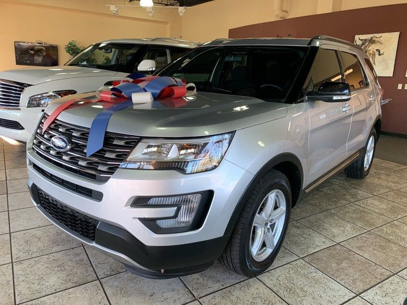 2017 Ford Explorer XLT FWD - 19463956 - 4