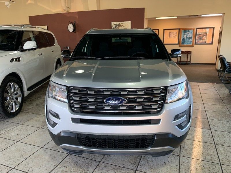 2017 Ford Explorer XLT FWD - 19463956 - 57
