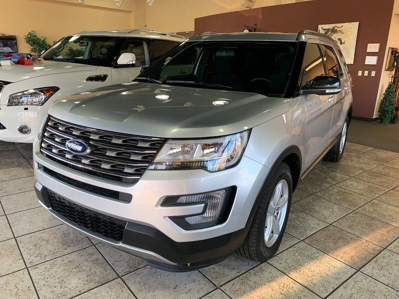 2017 Ford Explorer XLT FWD - 19463956 - 58