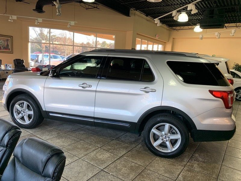 2017 Ford Explorer XLT FWD - 19463956 - 5