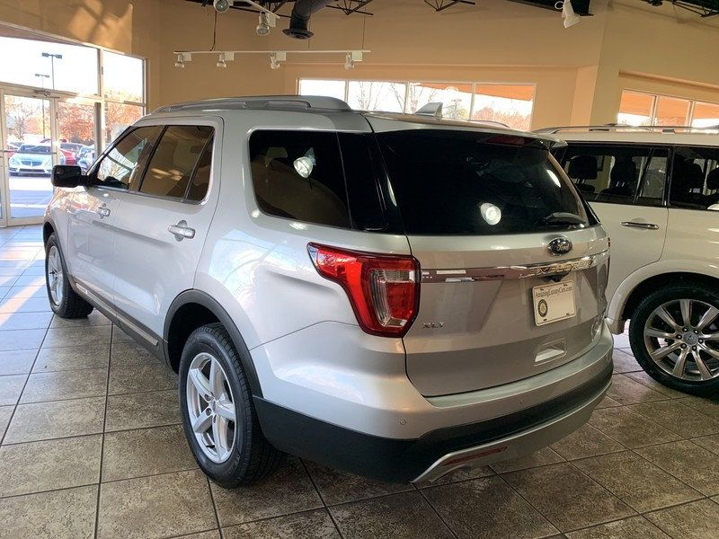 2017 Ford Explorer XLT FWD - 19463956 - 6