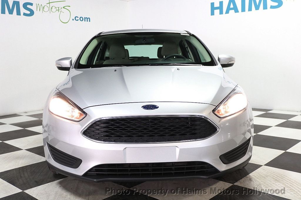 2017 Ford Focus SE Hatch - 17823196 - 2
