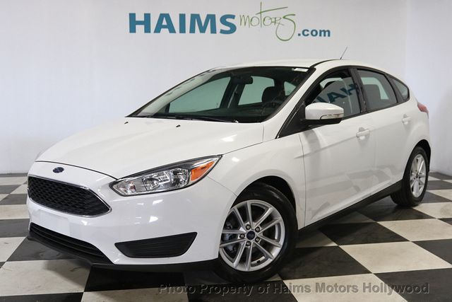 2017 Ford Focus Se Hatch 18505374 1