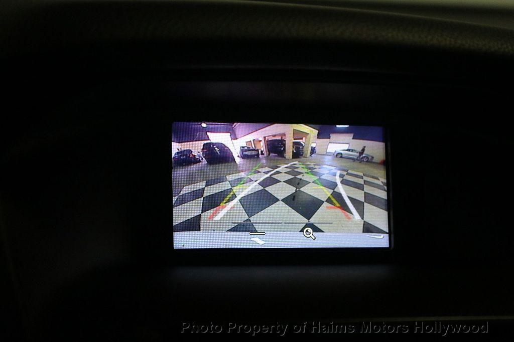 2017 Ford Focus SE Hatch - 18505374 - 28
