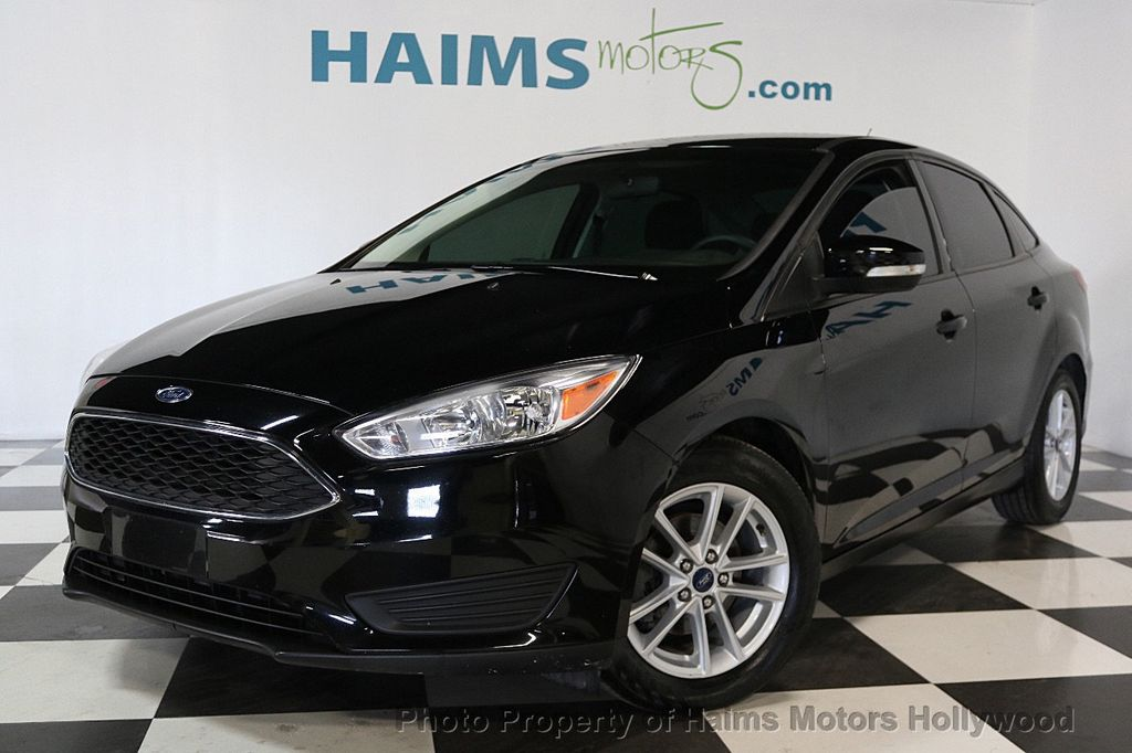 2017 Ford Focus SE Sedan - 17482577 - 1