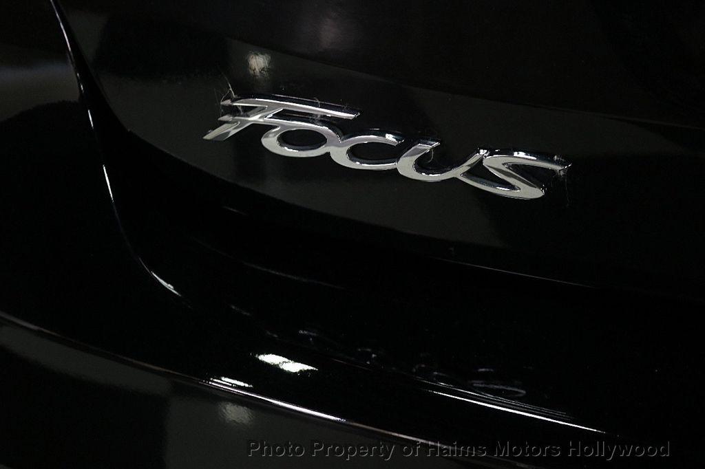 2017 Ford Focus SE Sedan - 17482577 - 8