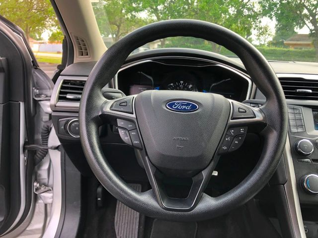 2017 Ford Fusion Hybrid SE FWD - Click to see full-size photo viewer