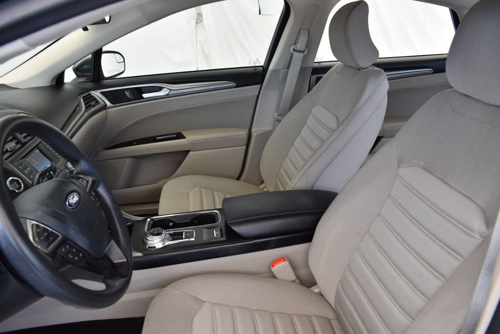 2017 Ford Fusion SE FWD - 17899605 - 12